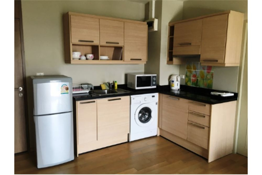 RE/MAX Properties Agency's Condominium For Rent Noble Reveal Ekamai 5