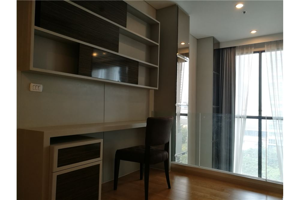 RE/MAX Executive Homes Agency's Lovely 1 Bedroom Duplex for Rent Villa Asoke 7