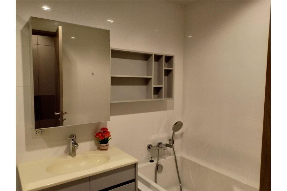 RE/MAX Properties Agency's 1 Bed for rent Hq thonglor 50,000 Baht 3