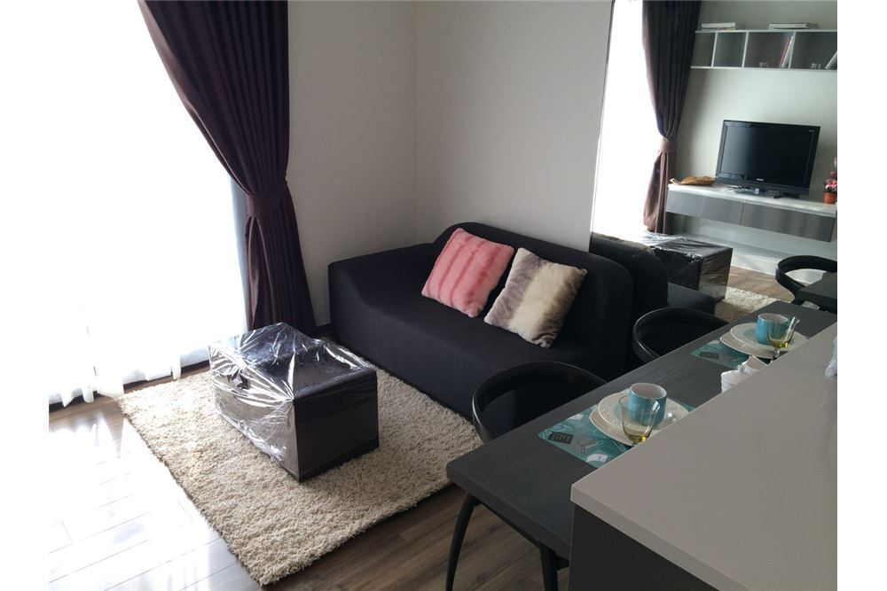 RE/MAX Executive Homes Agency's Nice 1 Bedroom for Sale Wyne Sukhumvit 1