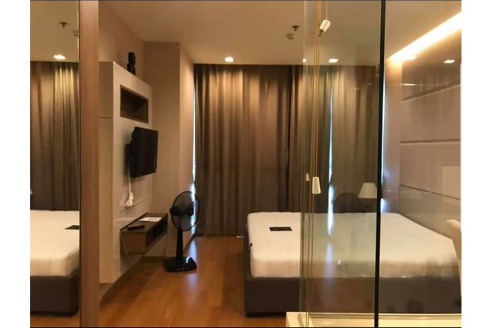 RE/MAX Executive Homes Agency's Spacious 1 Bedroom for Sale Address Sathorn 5