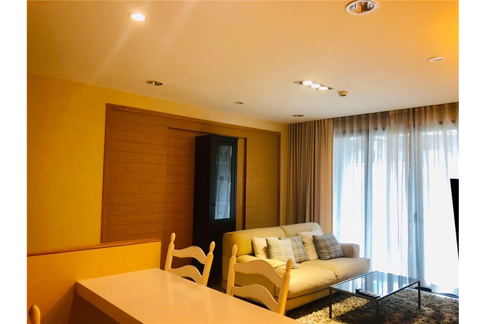 RE/MAX Executive Homes Agency's 2 Bedroom Condo for Rent in Silom 4