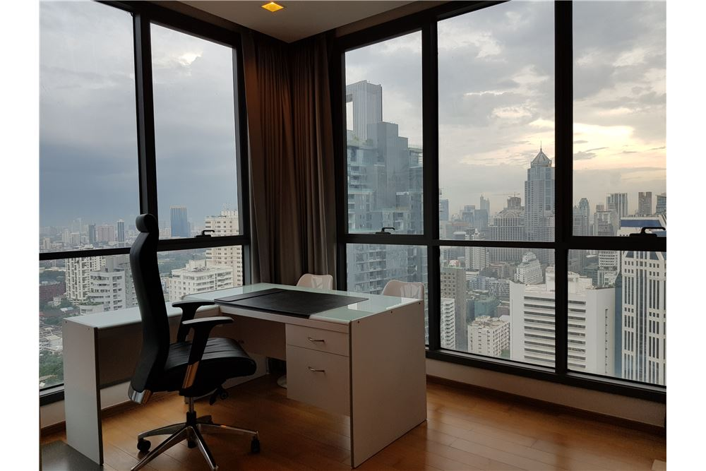 RE/MAX Properties Agency's RENT Hyde Sukhumvit 3BED 126.87SQM. 8