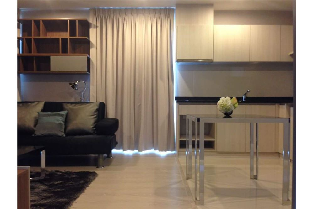 RE/MAX Executive Homes Agency's Lovely 2 Bedroom for Sale Rhythm Sathon Narathiwas 5
