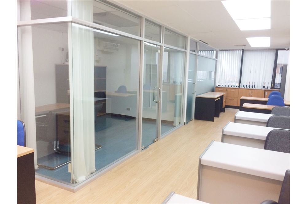 RE/MAX Executive Homes Agency's Nice Office Space for Rent SSP Tower 1