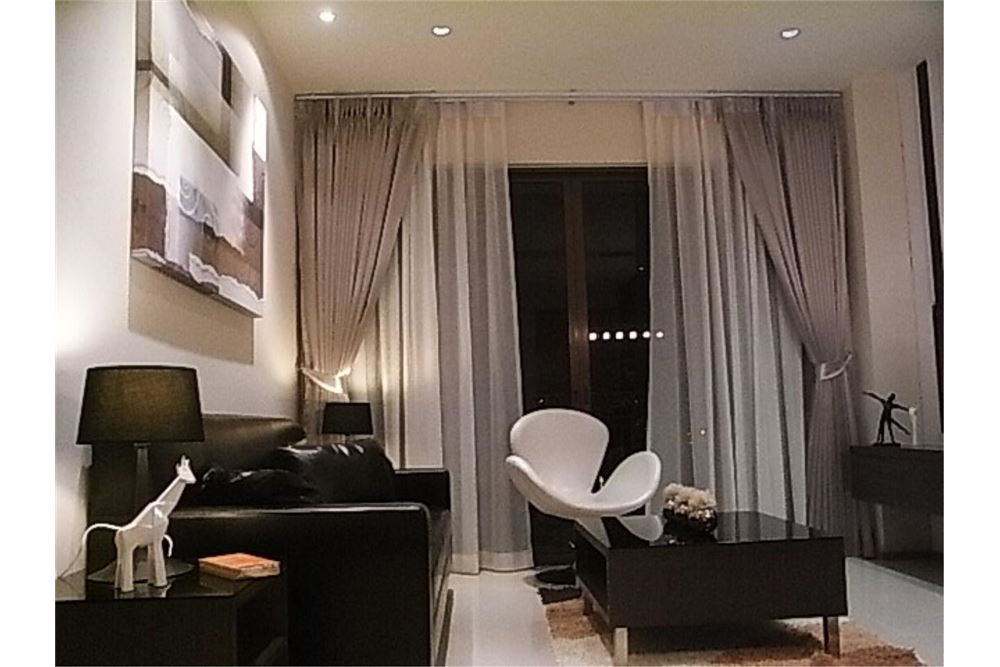 RE/MAX Properties Agency's FOR RENT The Emporio Place 1BED 65.35SQM 16