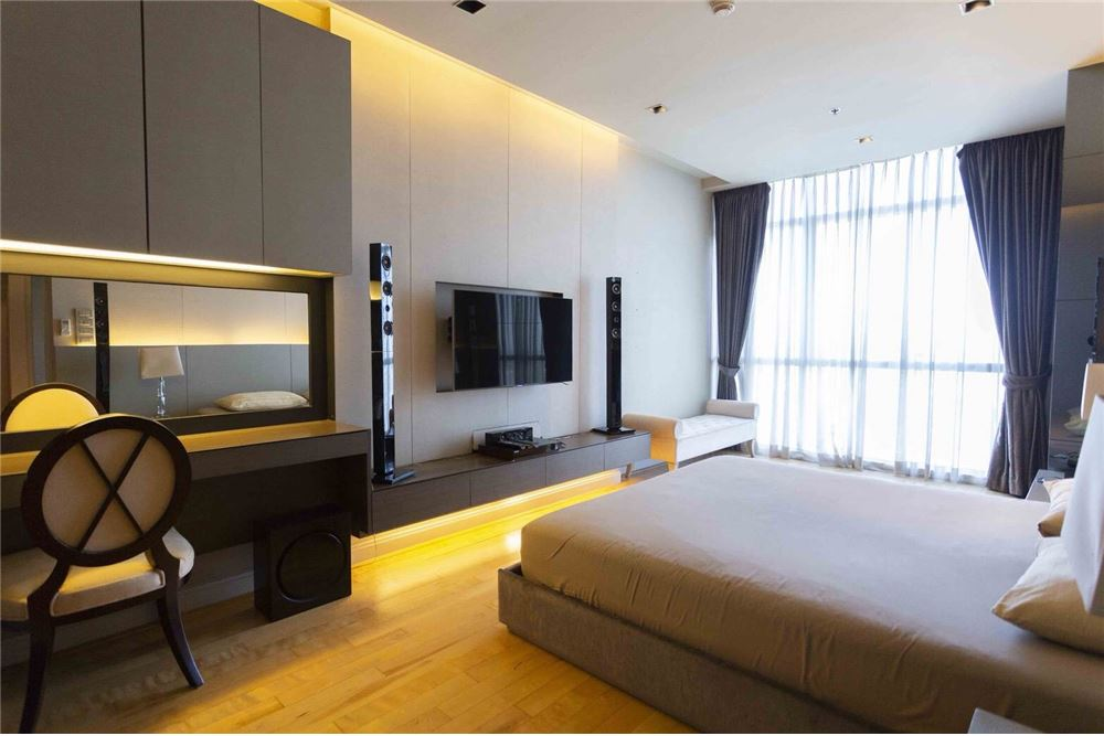 RE/MAX Properties Agency's RENT Athenee Residence 2BED 133SQM. 11