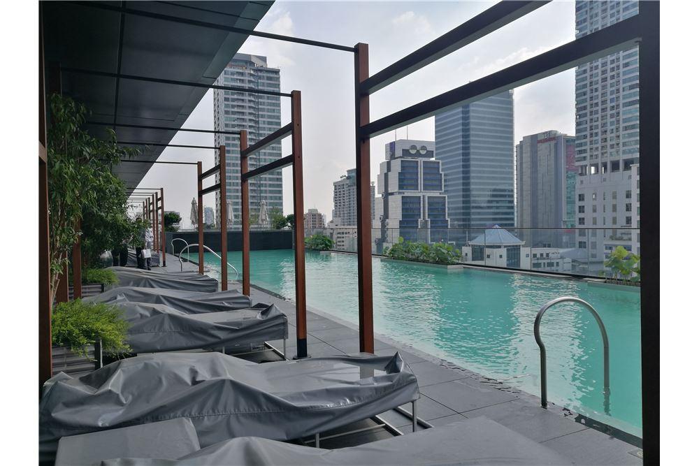 RE/MAX Properties Agency's RENT The Ritz-Carlton Residences at MahaNakhon 5