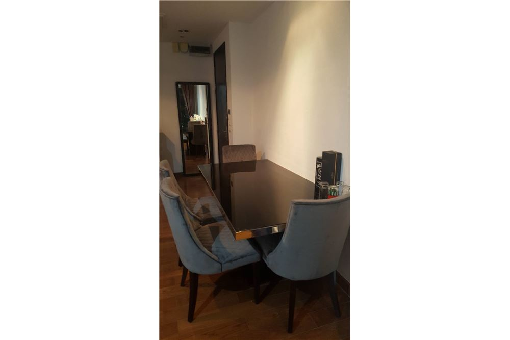 RE/MAX Executive Homes Agency's Spacious 1 Bedroom for Rent Address Chidlom 2