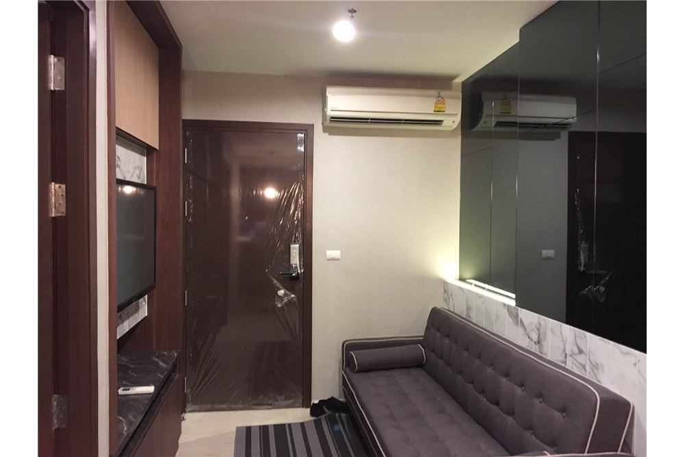 RE/MAX Properties Agency's Brand new 1 Bedroom for rent Rhythm Asoke 1