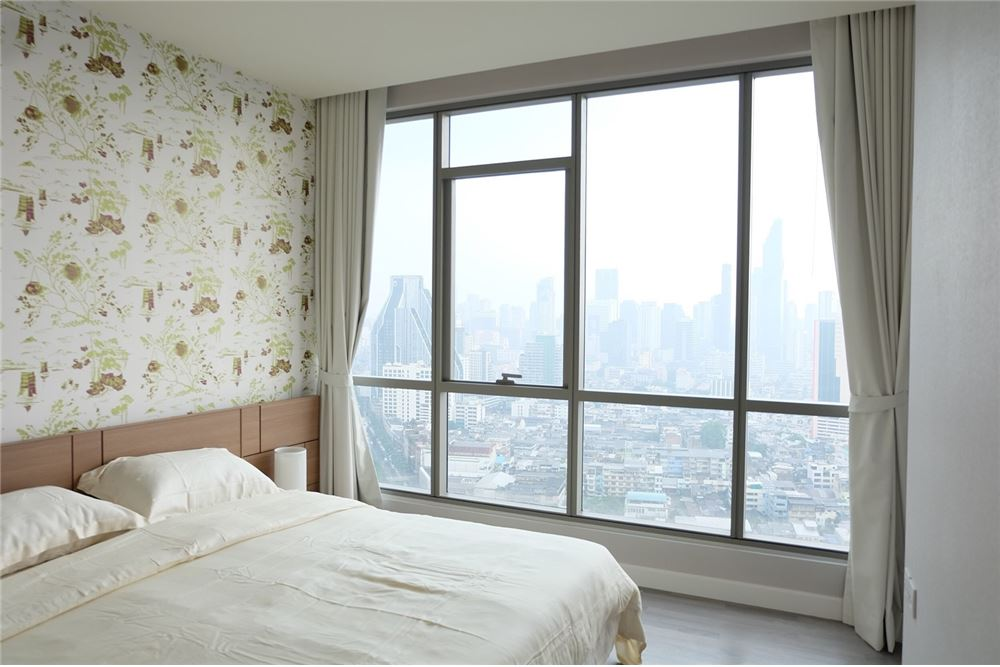 RE/MAX Executive Homes Agency's 2 Bedrooms for Rent at The Room Rama 4 6