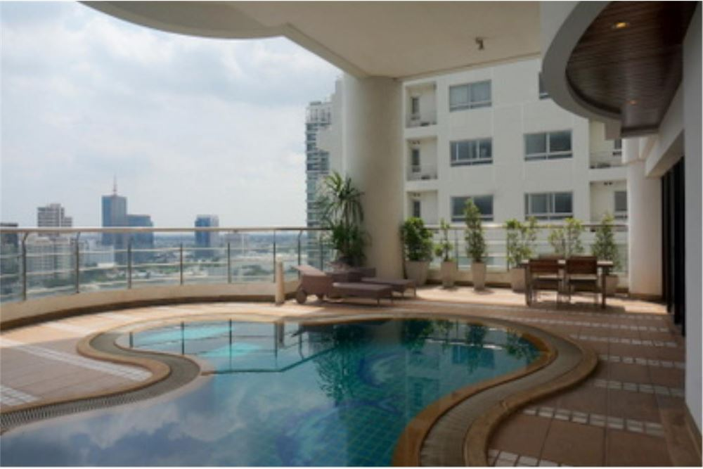 RE/MAX Properties Agency's FOR RENT  LE  RAFFINE SUKHUMVIT 24   2BED 370SQM 12