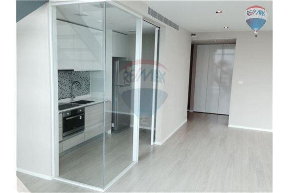 RE/MAX Properties Agency's FOR RENT  THE ROOM SUKHUMVIT 21    2 BED 128SQM 1