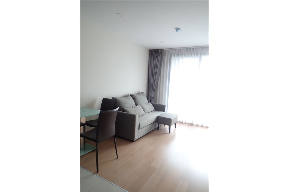 RE/MAX Executive Homes Agency's Nice 1 Bedroom for Rent Art @ Thonglor 3