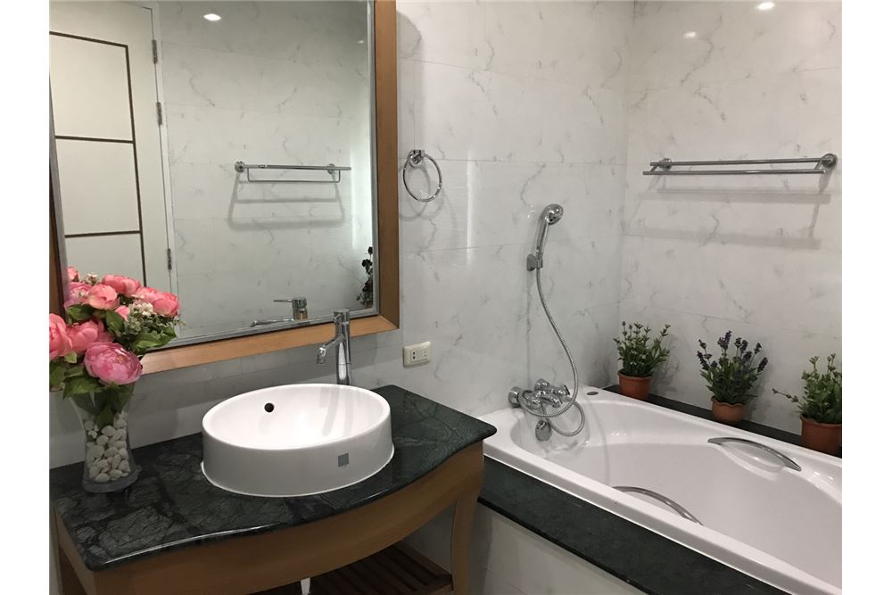 RE/MAX Executive Homes Agency's Newly Renovated 3 Bedroom for Rent Bangkok 61 8