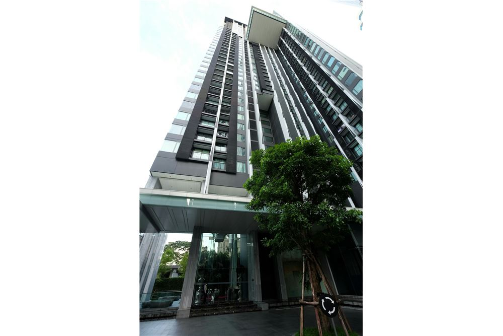 RE/MAX Executive Homes Agency's 1 Bedroom for Sale at Edge Sukhumvit 23 14