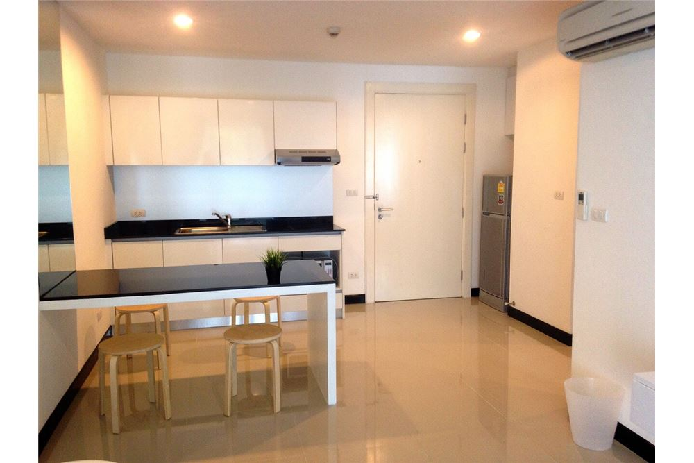 RE/MAX Properties Agency's Voque Sukhumvit 16,Condos for sale and rent 11
