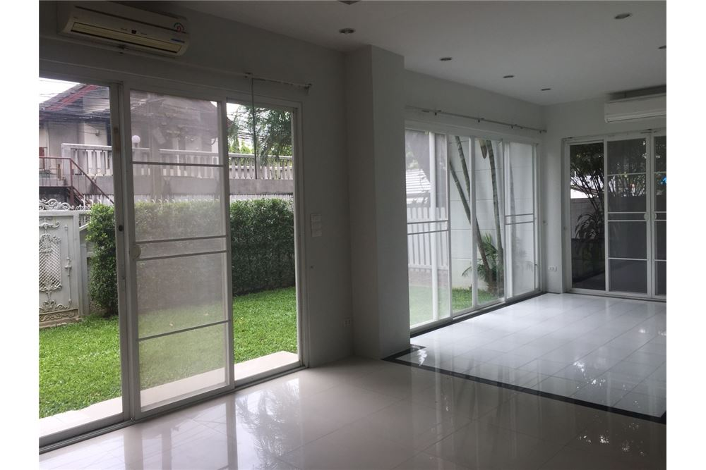 RE/MAX Executive Homes Agency's Townhouse For Rent 3Bedroom, Thonglor,Sukhumvit 49 5