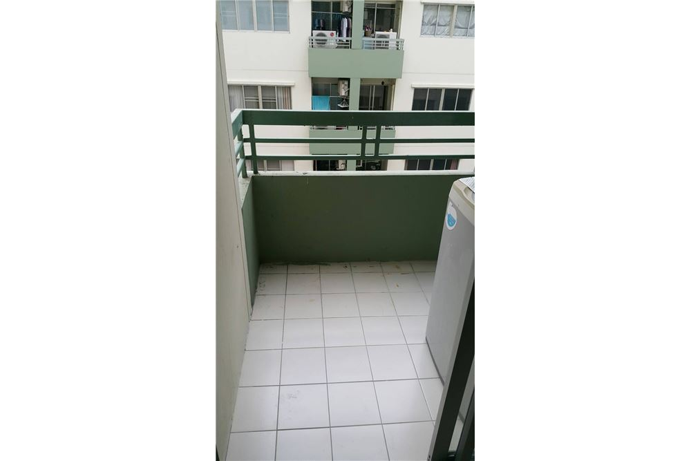 RE/MAX Executive Homes Agency's For Sale 1bedroom Sukhumvit 77, Lumpini Sukhumvit 77, Fully Furnished Best Price!!!!!! Ready to move in... 6