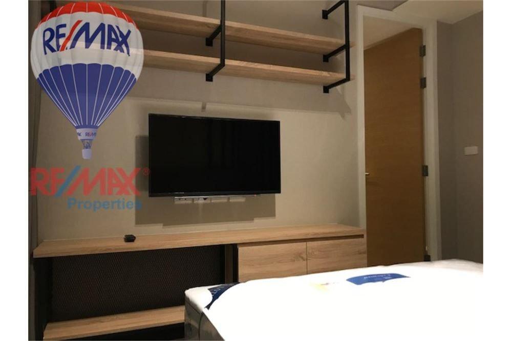 RE/MAX Properties Agency's FOR RENT THE LOFTS EKKAMAI 2BED 61SQM 5