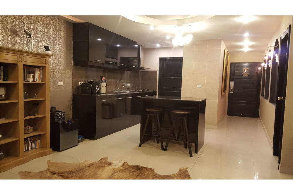 RE/MAX Executive Homes Agency's Spacious 2 Bedroom for Rent Baan Prompong 13