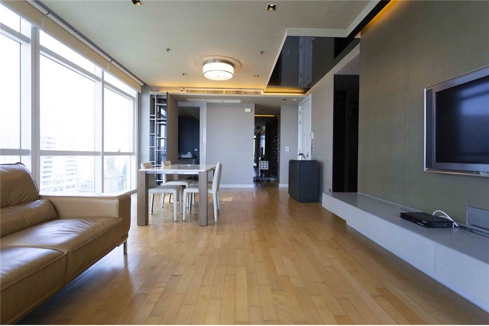 RE/MAX Properties Agency's RENT Athenee Residence 2BED 133SQM. 3