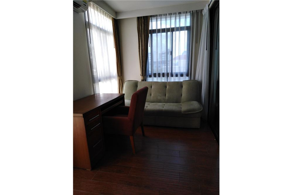 RE/MAX Executive Homes Agency's Spacious 2 Bedroom for Rent Kurecha Thonglor 3