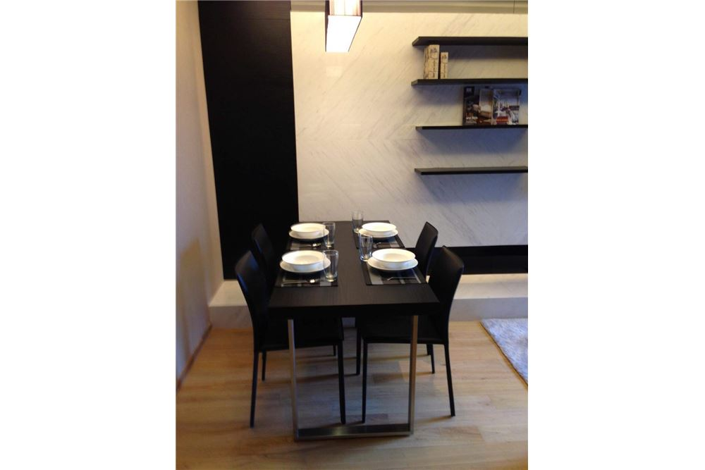 RE/MAX Executive Homes Agency's Spacious 1 Bedroom for Rent Hyde 13 11