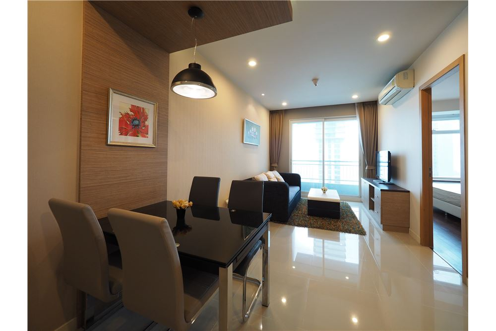 RE/MAX Properties Agency's RENT Circle Condominium 1 Bed 45sqm 2