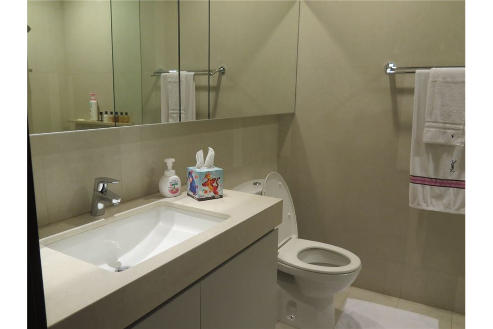 RE/MAX Executive Homes Agency's Nice 2 Bedroom for Rent Quattro Thonglor 9
