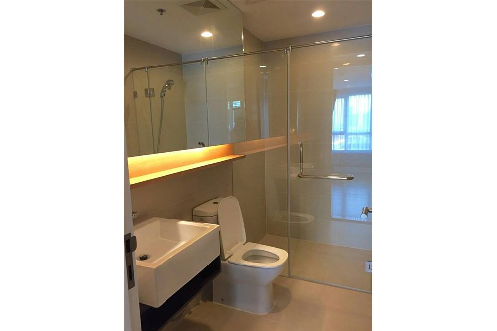RE/MAX Executive Homes Agency's 15 Sukhumvit Residences / 2 Bedroom / for Rent 6