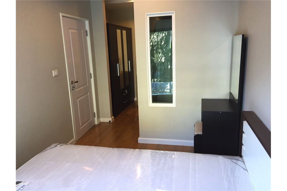 RE/MAX Executive Homes Agency's 1 Bedroom / for Rent / Condolette Dwell  26 7