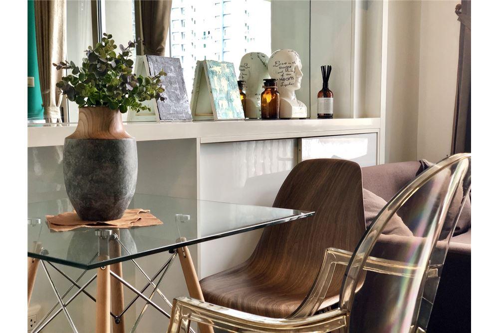RE/MAX Executive Homes Agency's Stylish 1 Bedroom Duplex for Rent Ashton Morph 38 6