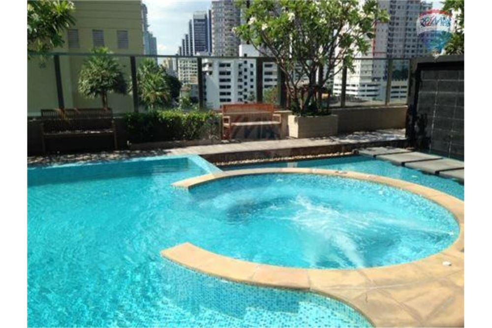 RE/MAX Properties Agency's FOR SALE /RENT  Bright Sukhumvit 24  1BED 89.7SQM 21