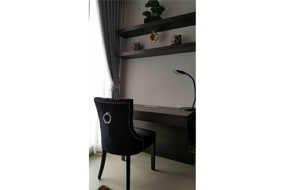 RE/MAX Properties Agency's 1 bed high floor for rent 50,000 Baht!!! 3