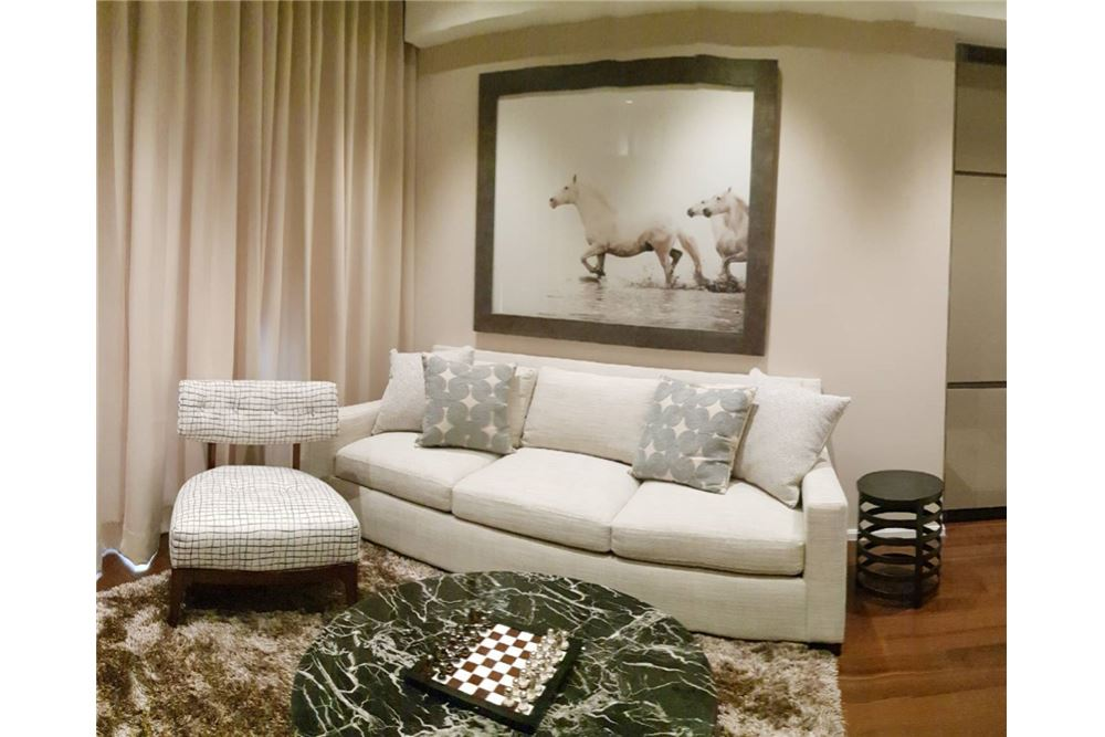 RE/MAX Executive Homes Agency's For Rent The Diplomat 39 2Bedroom Fully Furnished, Sukhumvit, BTS Phrom Phong 2