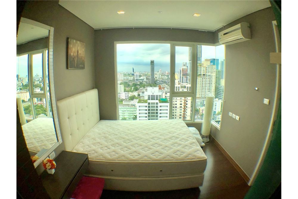 RE/MAX Executive Homes Agency's Spacious 2 Bedroom for Rent Ivy Thonglor 3