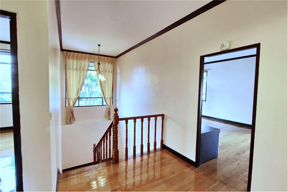 RE/MAX Executive Homes Agency's 4 bedroom house for rent near BTS Ekkamai 9