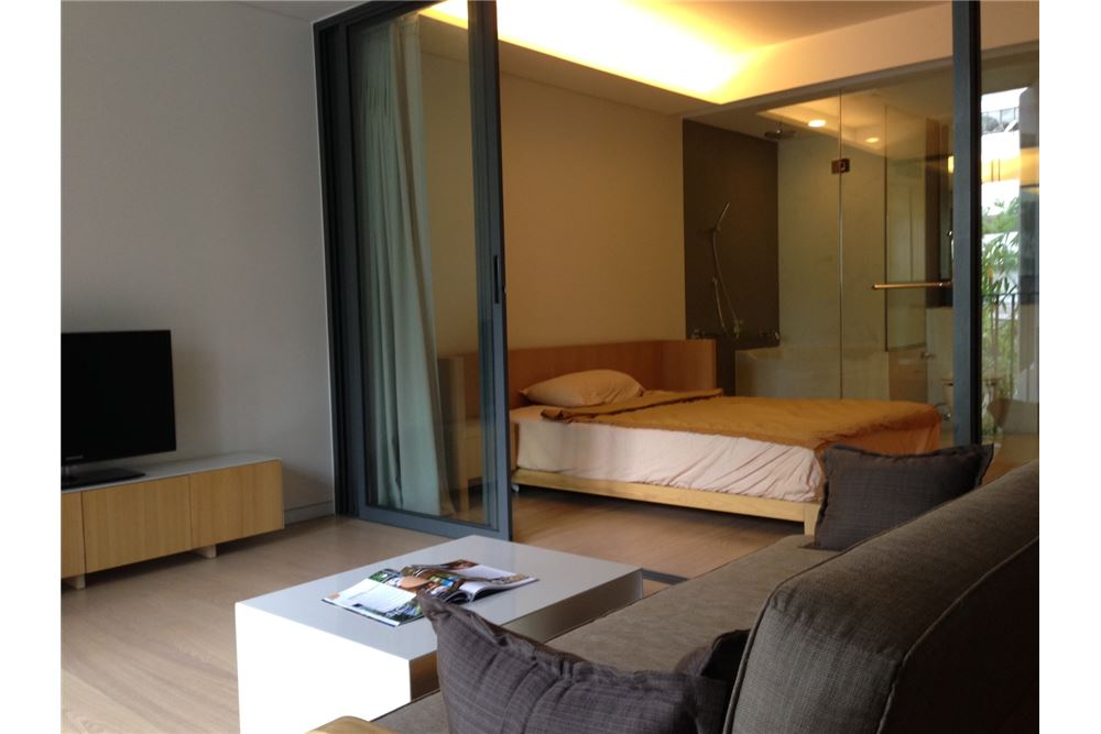RE/MAX Properties Agency's RENT Siamese Gioia Sukhumvit 31 1BED 50SQM. 1