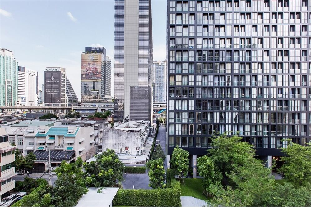 RE/MAX Properties Agency's 1Bed/48Sqm/13,500,000/@BTS Ploenchit 12