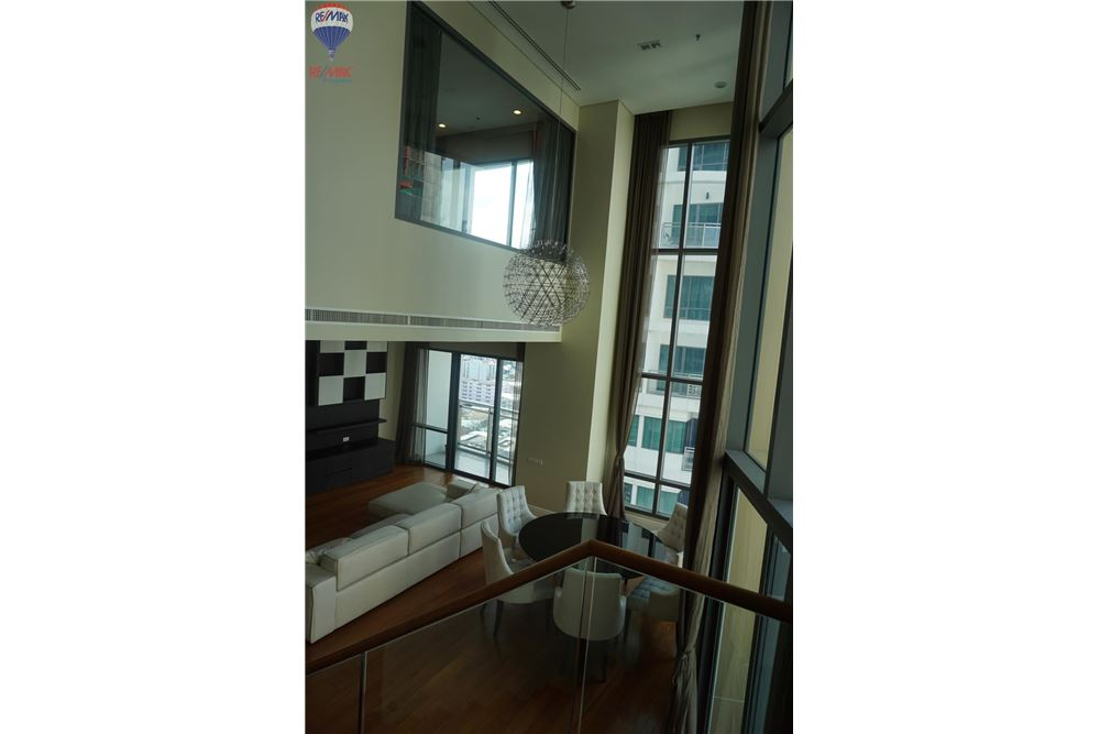 RE/MAX Properties Agency's FOR RENT  Bright Sukhumvit 24  3BED 189SQM 12
