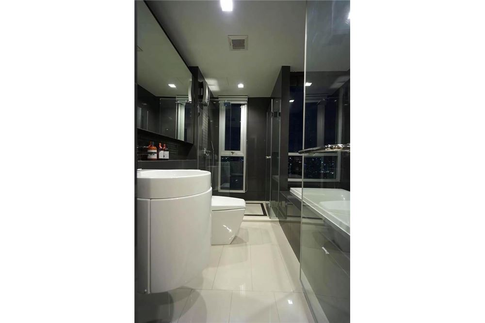 RE/MAX Properties Agency's SALE Rhythm Sathorn21 2BED 63.50SQM. 10