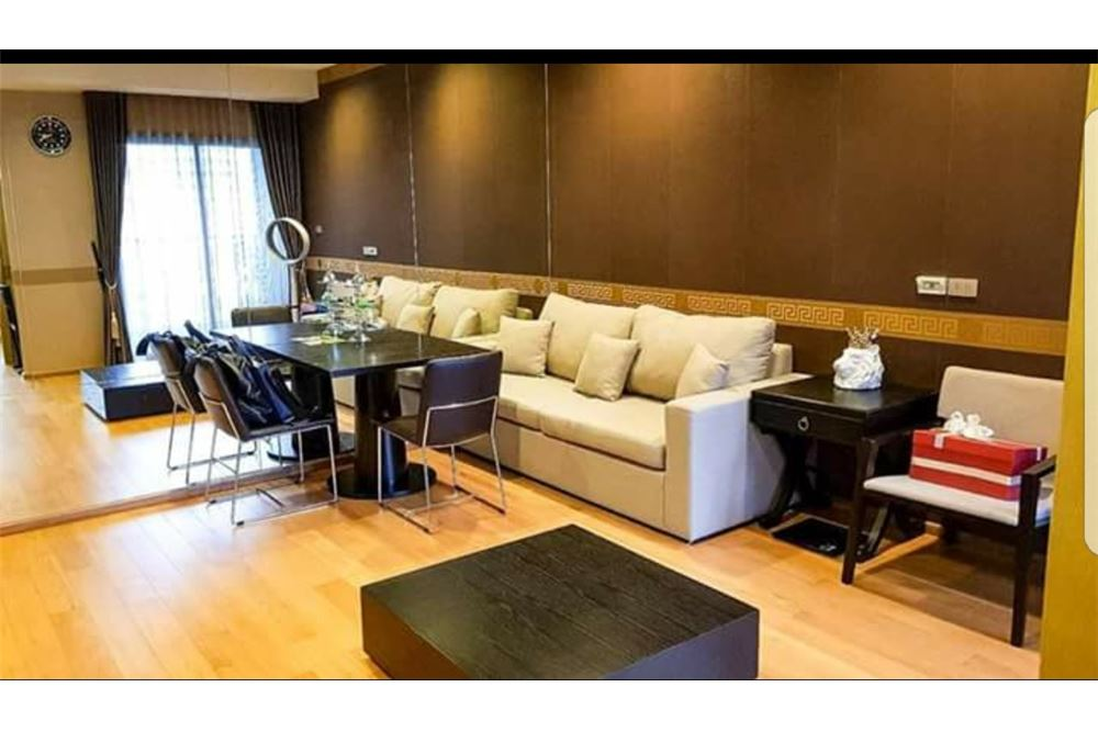 RE/MAX Executive Homes Agency's Spacious 1 Bedroom for Sale Hyde 13 1