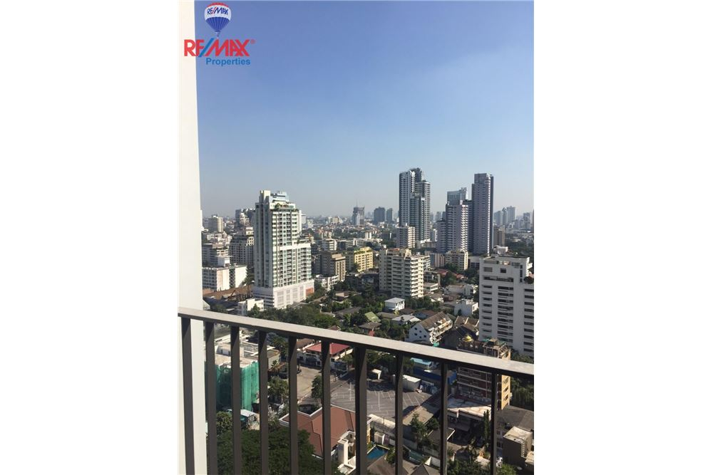 RE/MAX Properties Agency's FOR SALE  EDGE Sukhumvit 23  1BED 33SQM 10