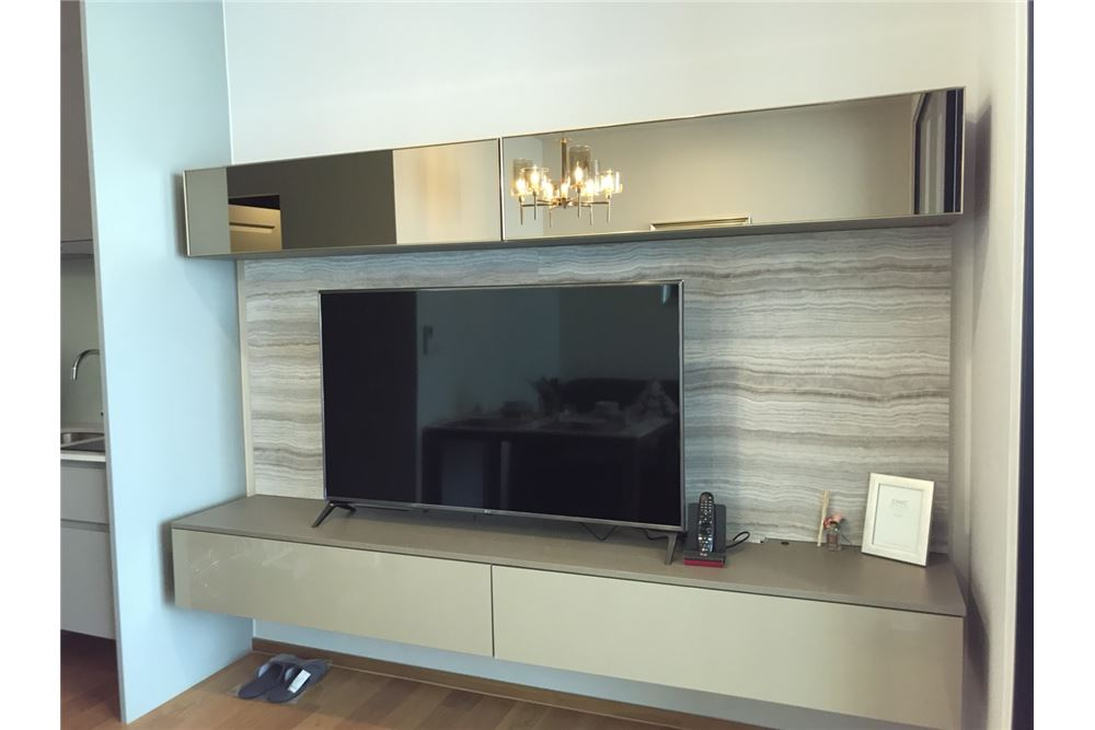 RE/MAX Executive Homes Agency's Nice 1 Bedroom for Rent Noble Revo Silom 4
