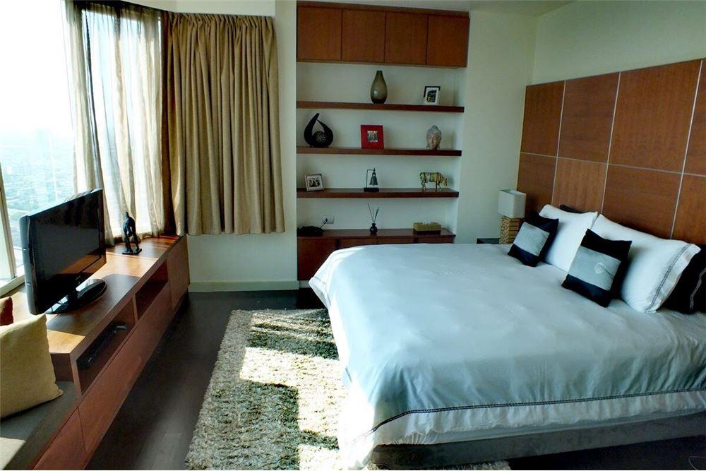 RE/MAX Properties Agency's For Sale Watermark Chaophraya | 4 bedrooms 12
