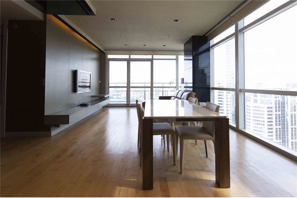 RE/MAX Properties Agency's RENT Athenee Residence 2BED 133SQM. 6