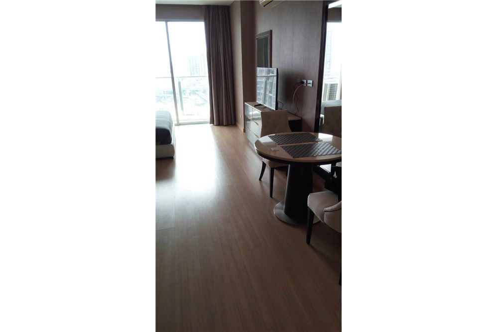 RE/MAX Properties Agency's for sale Skywalk Condominium 4