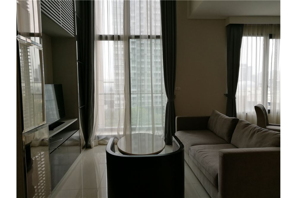 RE/MAX Executive Homes Agency's Lovely 1 Bedroom Duplex for Rent Villa Asoke 2