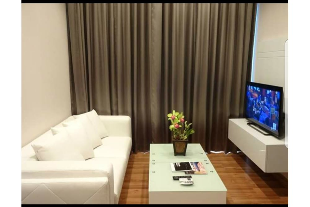 RE/MAX Executive Homes Agency's Nice 1 Bedroom for Rent Ivy Ampio 1